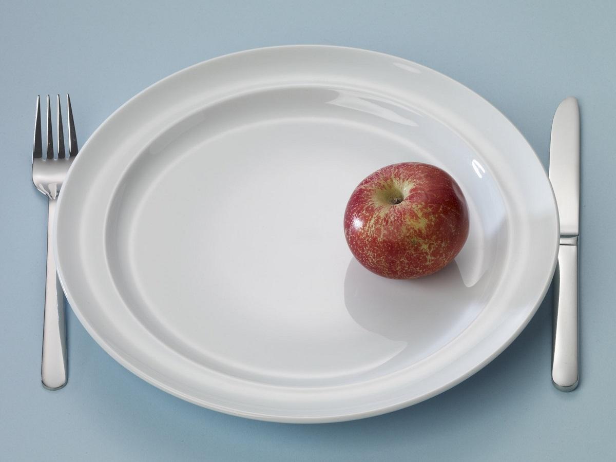 Bord met een appel