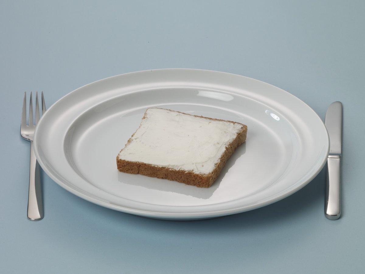 Bruine boterhaam met smeerkaas
